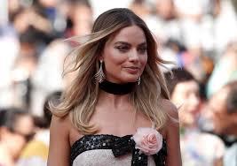 """""""Piratas das Caraíbas"""": Margot Robbie vai ser a nova rainha dos mares"""